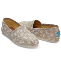 Up to 45% Off Clearance @ TOMS
