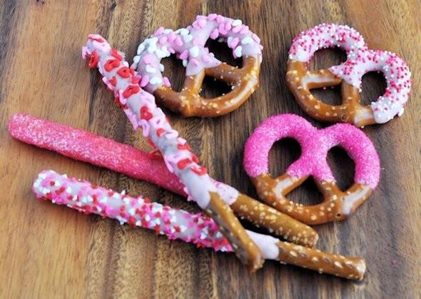 DIY Valentine's Day Pretzels