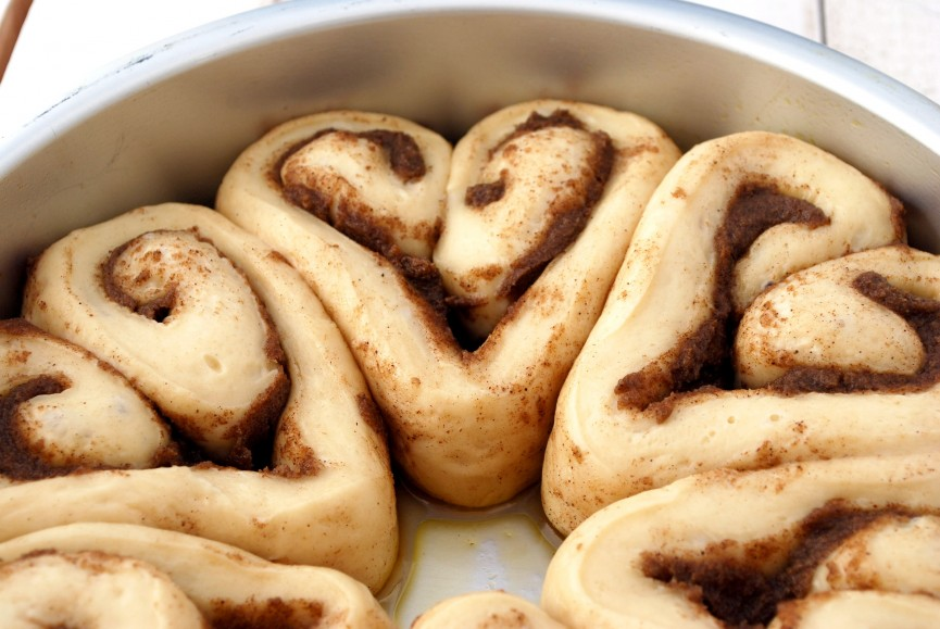 Valentine Heart-Shaped Cinnamon Rolls How-To (With Pictures) - Bake