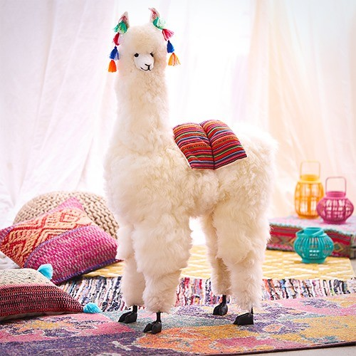 These Giant Llama Statues Are $489 Today @ Zulily